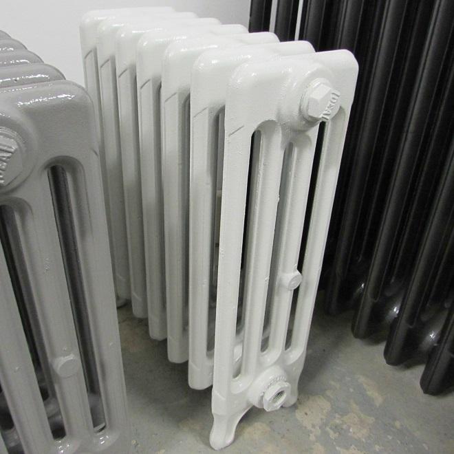 Reclaimed 4 column radiator in white