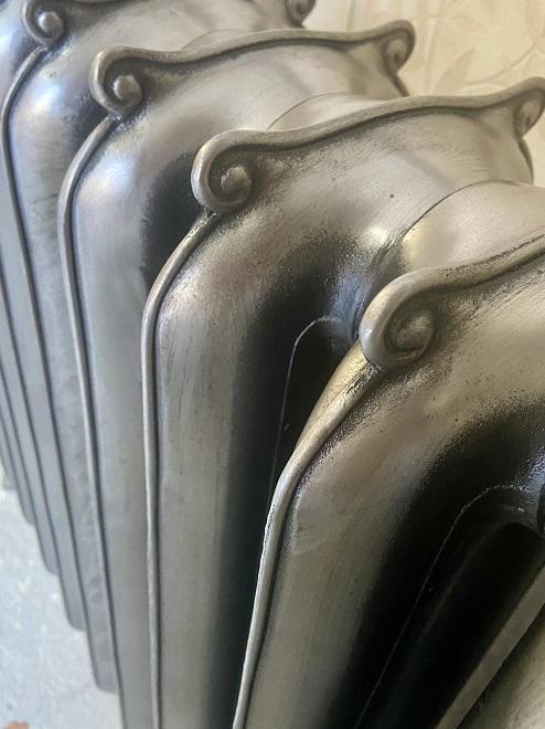 Earred radiator in full polish finish